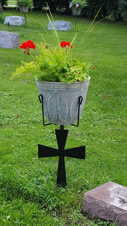Cross Urn/Plant Stand #101